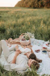 amor romántico, significado, causas, consecuencias, mitos